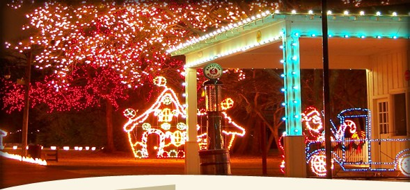 Christmas-lights-at-Historical-Park.jpg